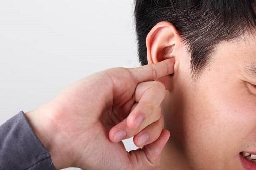 ngứa tai